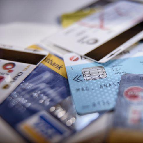 Dieses Foto zeigt Bankomatkarten